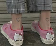 Dr Shoes, Cute Shoes, Me Too Shoes, Baby Shoes, Shoes Jordans, Pretty Tattoos, Cute Tattoos, Hello Kitty Items, Hello Kitty Shoes
