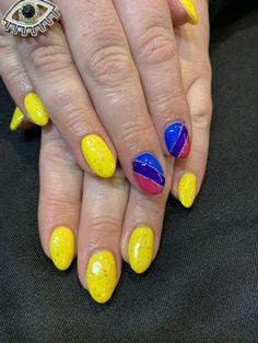 Gel on natural nails, spring colours, Bi Pride Oval Nail Art, Dip Manicure, Flag Nails, Kylie Jenner Lip Kit, Natural Gel Nails, Smokey Eye Tutorial, Fall Nail Designs, Rhinestone Nails, Uv Gel Nails