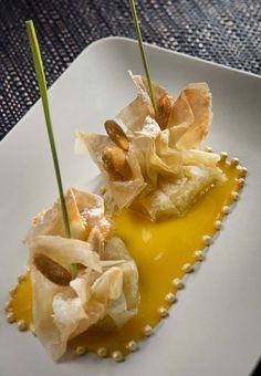 L'aumonière d'amandes aux abricots @ La Bastide Saint-Antoine, Grace, France...