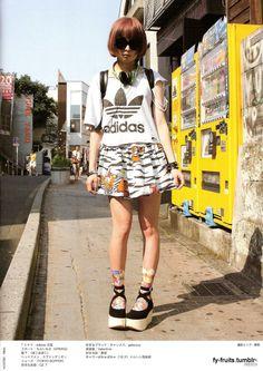 Harajuku = <3 but a little more fashion forward than this  Fruits Magazine - Street Fashion Japan