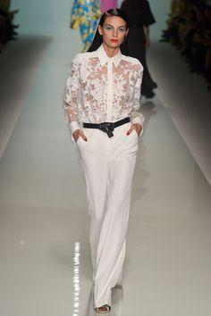 Emanuel Ungaro Spring Summer 2015 womenswear fashion show photo gallery.