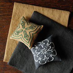 [Envelope Online Shop] Embroidery book 4 the linen bird HOUSE & HOME