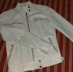 Shop Women's White size XS Jackets & Coats at a discounted price at Poshmark. Description: XS real leather made in Argentina. Sold by guerae. Fast delivery, full service customer support.