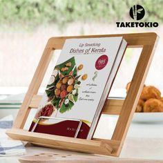 Αν ψάχνατε κάπου να ακουμπήσετε το αγαπημένο σας βιβλίο μαγειρικής για να το βρίσκετε γρήγορα, σας παρουσιάζουμε ένα μοντέρνο και πρωτότυπο stand από μπαμπού για βιβλία!  Ιδανικό για κάθε κουζίνα! Με εντυπωσιακό design,διαθέτει τρείς θέσεις για να το πρ