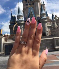 Disney nails, Minnie Mouse nails – My CMS Disney World Nails, Disney Manicure, Disney Acrylic Nails, Funky Nail Art, Funky Nails, Cute Nails, Minnie Mouse Nails, Mickey Mouse Nails, Disney Nail Designs