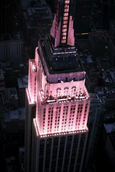 Empire State Building lit up in pink for Breast Cancer Awareness