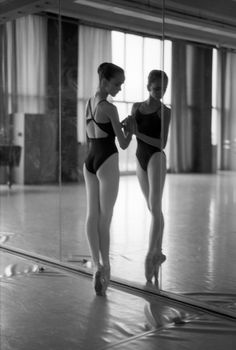 Ballet | Photography by Jan Scholz