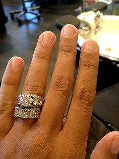 wedding off who gets engagement ring