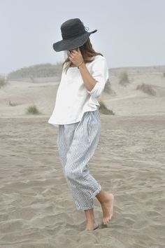 BLOG VDJ | loose striped pants, loose white top, hat