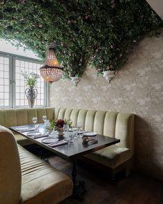 Rebel Walls (@rebelwalls) • Foton och videoklipp på Instagram Dining Table, Wall, Furniture, Home Decor, Decoration Home, Room Decor, Dinner Table, Walls, Home Furnishings