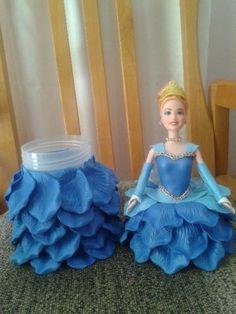 Boneca com vestido em eva                                                                                                                                                                                 Mais