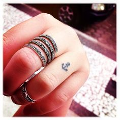 //Dainty anchor tattoo