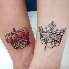 Crown Tattoo is a meaningful design that is fit for all sexes. See our 80 Crown Tattoo Designs with images and symbolic crown tattoo ideas for queen, king, princess, and more royalty-inspired crown tattoos for men and women. Tattoos Para Casais, Sexy Tattoos, King Tattoos, Love Tattoos, Tattoos For Guys, Tattos, Crown Tattoos For Women, Tattoos Pics, Small Tattoos