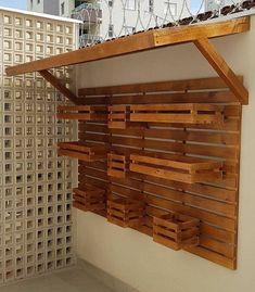 Wooden Pallet Furniture Ideas For You – DIY Motivations Diy Interior Furniture, Wooden Pallet Furniture, Wooden Pallets, Furniture Decor, House Plants Decor, Plant Decor, Garden Shelves, Decoration Plante, Diy Woodworking