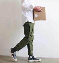 Casual winter outfit looks neat . Estilo Converse, Sneaker Outfits, Converse Style, Outfits With Converse, Converse Men, Converse Sneaker, Cool Outfits, Casual Outfits, Men Casual