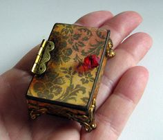 """This lovely project was part of an online craft swamp. The request? """"Snow White's heart in a box."""""""