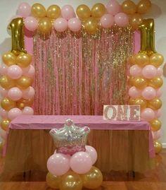 Princess Birthday Party Decorations, Minnie Mouse Party Decorations, Pink And Gold Birthday Party, Girls Birthday Party Themes, Girls Party Decorations, Minnie Birthday, Birthday Balloons, Diy Birthday, Birthday Wall