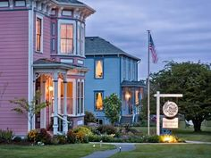 Blue Goose Inn Bed and Breakfast (702 North Main Street) Blue Goose Inn Bed and Breakfast offers accommodation in Coupeville. Free private parking is available on site.  Every room comes with a flat-screen TV with cable channels, Blu-ray player and DVD player. #bestworldhotels #hotel #hotels #travel #us #washington