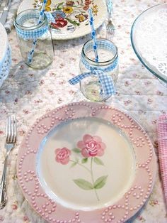 I love this shabby chic plate!