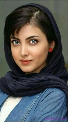 Iranian girl sexy woman with gorgeous eyes and lips 😍😍😍😍😍😍😍😍 Elijah Kazi Beautiful Girl Indian, Beautiful Girl Image, Beautiful Hijab, Beautiful Eyes, Beautiful Pictures, Beautiful Iranian Women, Iranian Beauty, Muslim Beauty, Girl Face