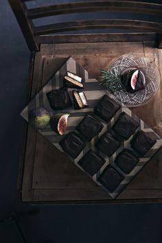 Kardemummainen suklaamoussekakku | Jälkiruuat, Makea leivonta | Soppa365 Wine Rack, Wine Racks