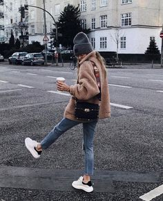 21 Teddy Bear Jacket & Coats Ideas Street Styles Winter jacket outfits - Fall fashion jacket outfits Awesome Jacket For Women Winter Casual Outfits Mode Outfits, Outfits For Teens, Casual Outfits, Fashion Outfits, Party Outfit Casual, Dress Fashion, Fashion Boots, Hipster Girl Outfits, Sneakers Fashion