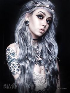 Black Wood Riff Plugs on Tap to shop her style! - June 15 2019 at Goth Beauty, Dark Beauty, Asian Beauty, Tattoo Girls, Girl Tattoos, Emo Girls, Silver Hair, Hair Highlights, Steam Punk
