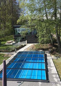 Kratzfeste Poolüberdachung aus Echtglas - Made in Austria Plastic Swimming Pool, Swimming Pools, Pool Warmer, Solar Pool Cover, Outdoor Sauna, Mini Pool, Pool Chemicals, Rustic Backyard, Pool Equipment