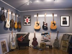 1000 images about music room on pinterest music rooms for Guitar bedroom designs