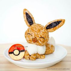 Go eat'em all: Care for some Pokemon rice balls? Cute Food, Yummy Food, Japanese Food Art, Cute Bento Boxes, Kawaii Cooking, Kawaii Bento, Bento Recipes, Rice Balls, Cute Desserts