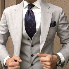 Dress for success. Spotted Tag us for a chance to be featured! Der Gentleman, Gentleman Style, Gentleman Fashion, Mens Fashion Suits, Mens Suits, Men's Fashion, Suit Combinations, Look Man, Three Piece Suit