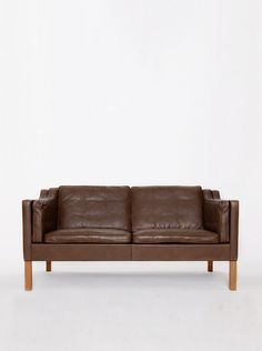 Original Børge Mogensen 2212 leather sofa made by by 506070 Vintage Furniture Design, Tardis, Leather Sofa, Cosy, 1970s, Love Seat, Chairs, Home And Garden, The Originals