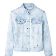 Tory Burch Birdie Womens Jean Jacket. Free shipping and guaranteed authenticity on Tory Burch Birdie Womens Jean JacketA stand collar and cloudy, faded wash mix modern a...