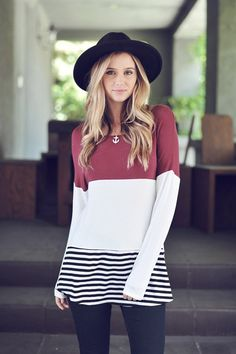 Like the colorblocking and stripes, looks like a good top for leggings!
