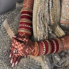 Mehndi Art Designs, Bridal Mehndi Designs, Bridal Bangles, Bridal Jewelry, Indian Wedding Jewelry, Wedding Jewelry Sets, Bridal Chuda, Silk Thread Bangles, Bollywood Wedding