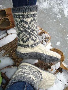 Ravelry: Danskknit's Selfish Mukluks For My Beloved Feet