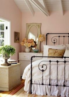 Charming Cottage Bedroom.