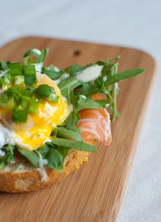 yolks benedict with smoked salmon & horseradish sauce