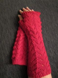 litjjentas lille verden Fingerless Gloves, Arm Warmers, Fashion, Fingerless Mitts, Moda, Fingerless Mittens, La Mode, Fasion, Fashion Models