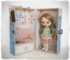"Latest Blythe Doll Carry Case | ""The Beach House"" | helen CW | Flickr"
