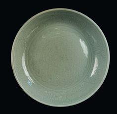 A Longquan Celadon porcelain plate, China, Ming Dynasty, 16th century.PhotoCambi Casa dAste