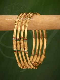 Ideal for sarees and other traditional costumes. Gold Chain Design, Gold Bangles Design, Gold Earrings Designs, Gold Jewellery Design, Necklace Designs, Anklet Designs, Gold Designs, Fashion Jewellery, Women's Fashion