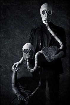 Gas-mask for the couple. Gas Mask Drawing, Gas Mask Art, Masks Art, Gas Masks, Arte Steampunk, Arte Robot, Creepy Art, Dark Photography, Creepy Photography