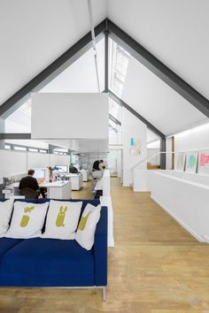 Build  »  design studio in UK