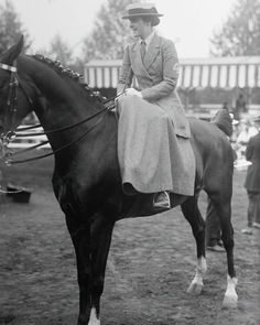 Equestrian Lady Side Saddle On Horse 1916 Vintage 8x10 Reprint Of Old Photo