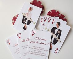 Faire part mariage Casino Original Wedding Invitations, Carton Invitation, Couple Illustration, A 17, Diy Cards, Unique Weddings, Save The Date, Wedding Cards, Playing Cards