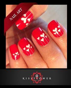 Com a proximidade do dia dos namorados, as nail art de corações são uma opção super romântica para investir em um look inspirado pelo amor. Deixe-se levar por esse clima e aposte nessa ideia criativa para decorar as suas unhas!