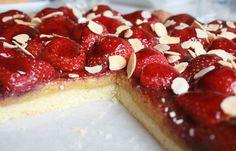 Tarte fraise-amande une vraie tuerie, trop bon & rapide en 30 min chrono