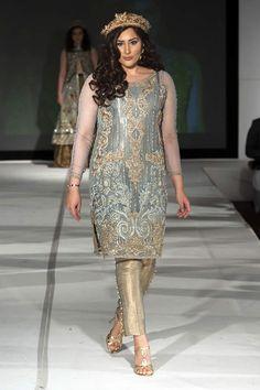 Pakistani designer Saira Rizwan presented formal collection at Pakistan Fashion Extravaganza 2015 London. Pakistani Couture, Pakistani Dress Design, Pakistani Bridal, Pakistani Outfits, Indian Outfits, Eastern Dresses, Latest Fashion Design, Pakistan Fashion, Indian Designer Wear