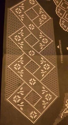 Crochet Table Runner, Crochet Tablecloth, Crochet Doily Diagram, Crochet Doilies, Doily Patterns, Crochet Patterns, Fillet Crochet, Crochet Bookmarks, Crochet Art